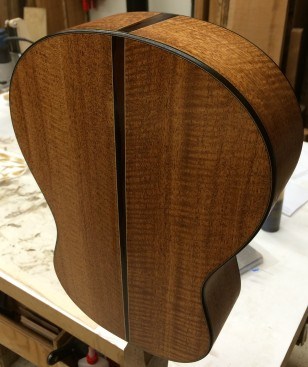 Also a fine body wood, this super-curly Honduras mahogany has rosewood accents.